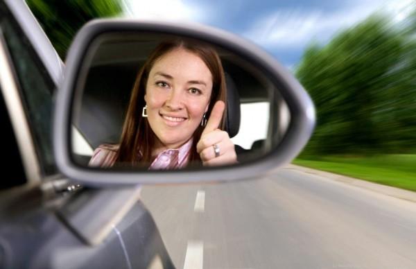 mulher-no-volante-2-600x388