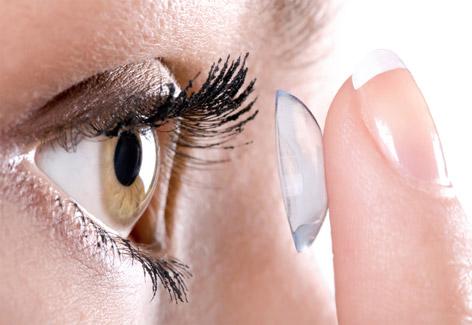 Resultado de imagem para lente de contato. As lentes de contato podem ser  usadas ... 4254a1860b