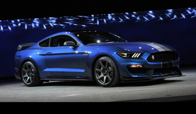 2016_ford_mustang_shelby_gt350r_1_1280x960