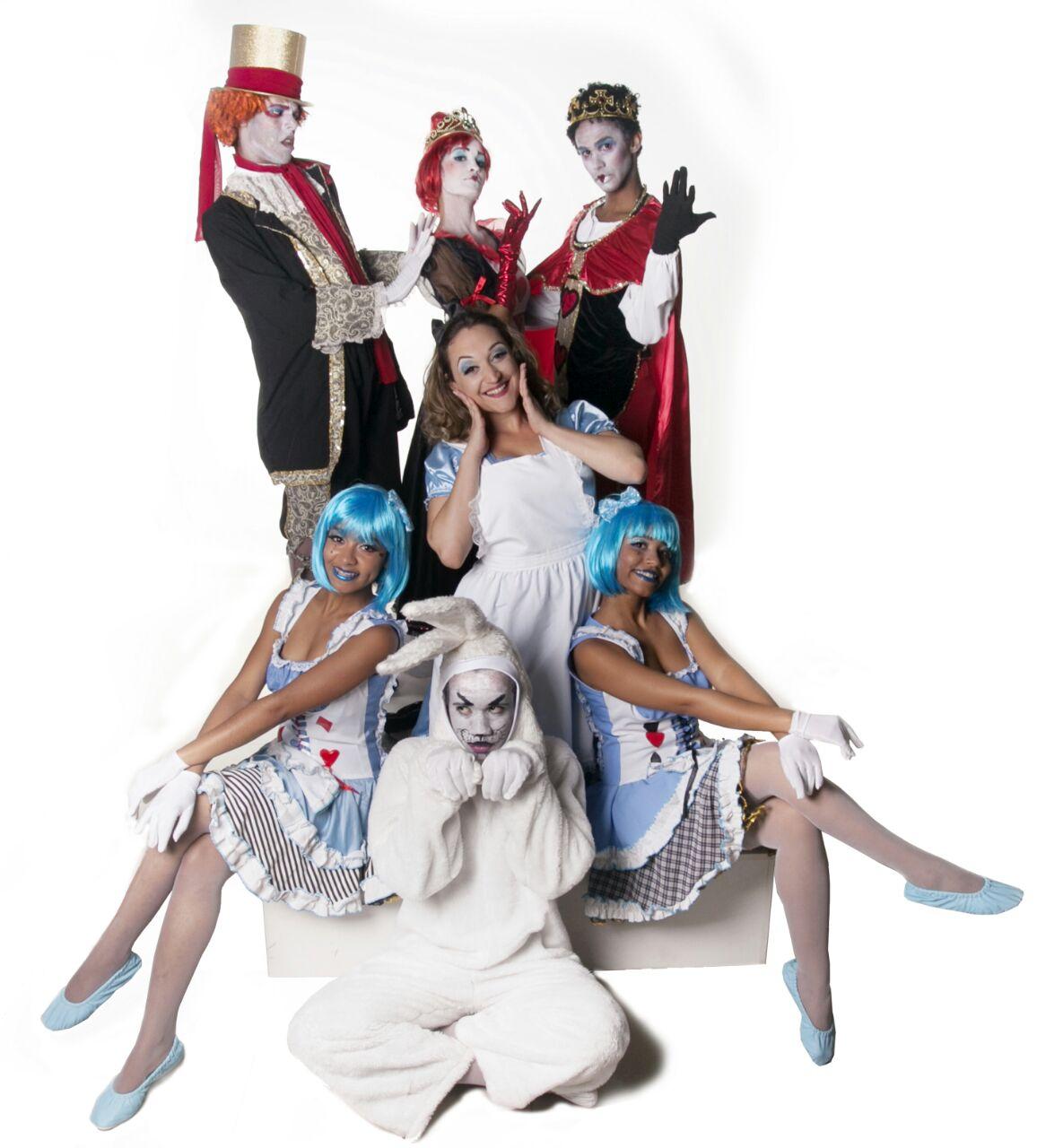 Alice, Chapeleiro e o Baile de Copas
